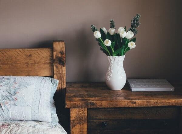 Tulipa branca no quarto