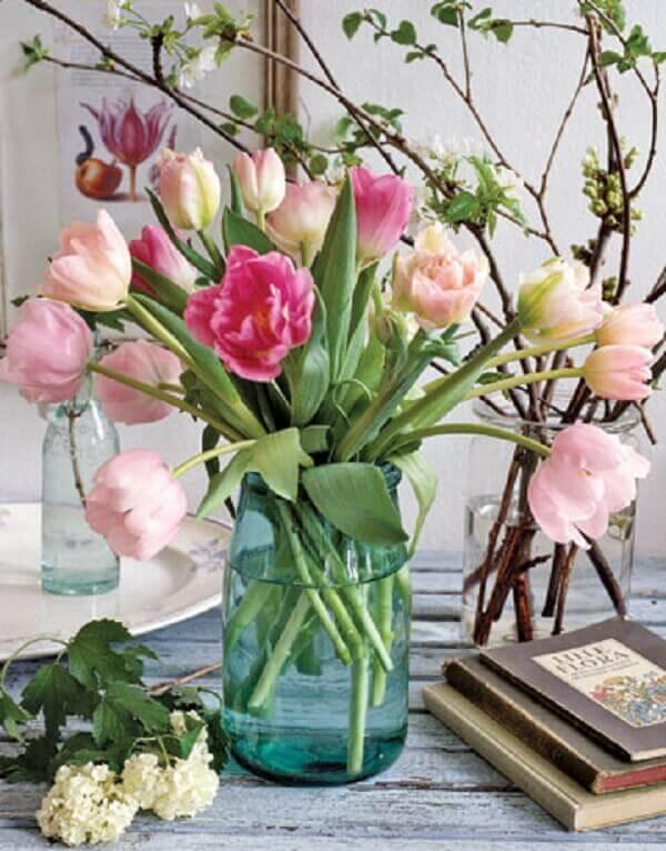 Tulipa em vaso