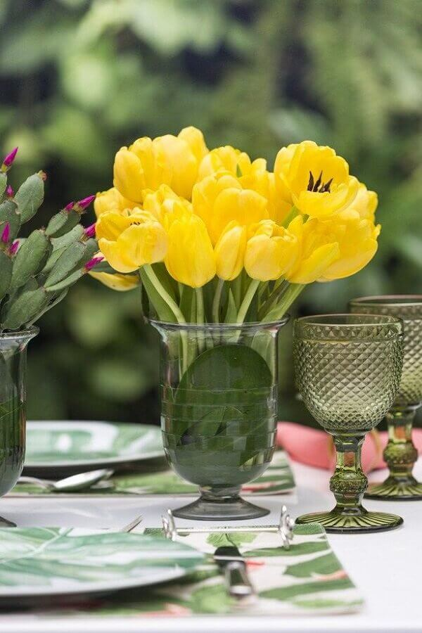Tulipa para decoração em área aberta