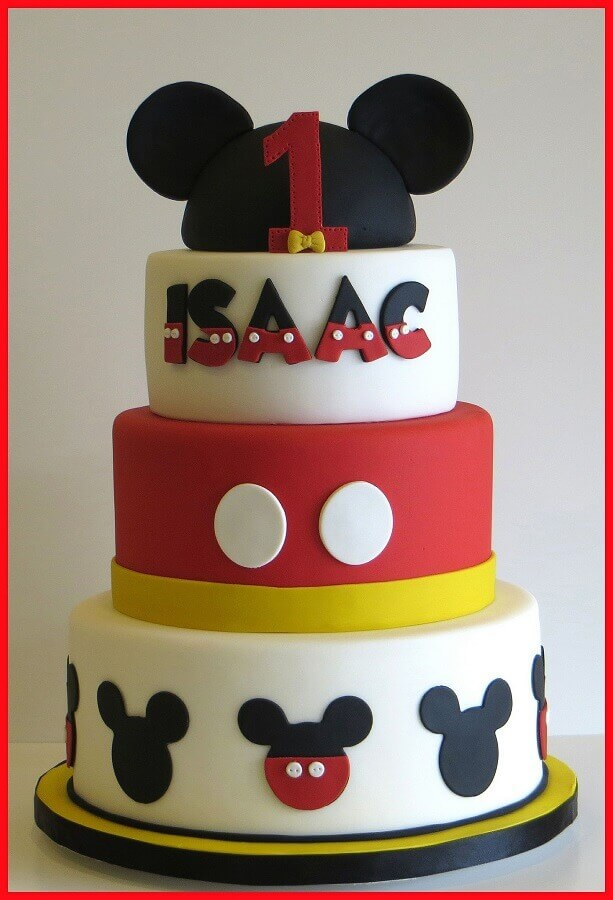 bolo decorado do mickey 3 andares com pasta americana Foto LemonJellyCake
