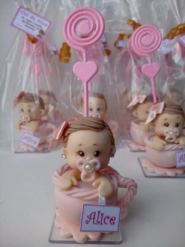 bonequinha de biscuit para lembrancinha chá de bebê menina com espaço para foto Foto Atelier Mari Moraes