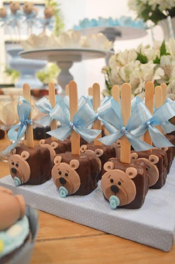 cake pop com carinha de ursinho como lembrancinha de chá de bebê  Foto Wood Save