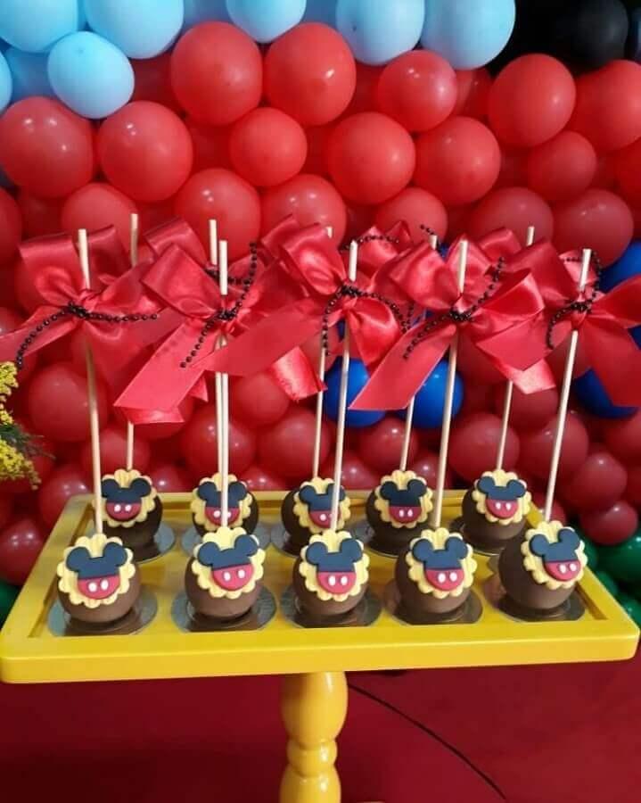cake pops personalizados para decoração de aniversário do mickey Foto C3 Cupcake