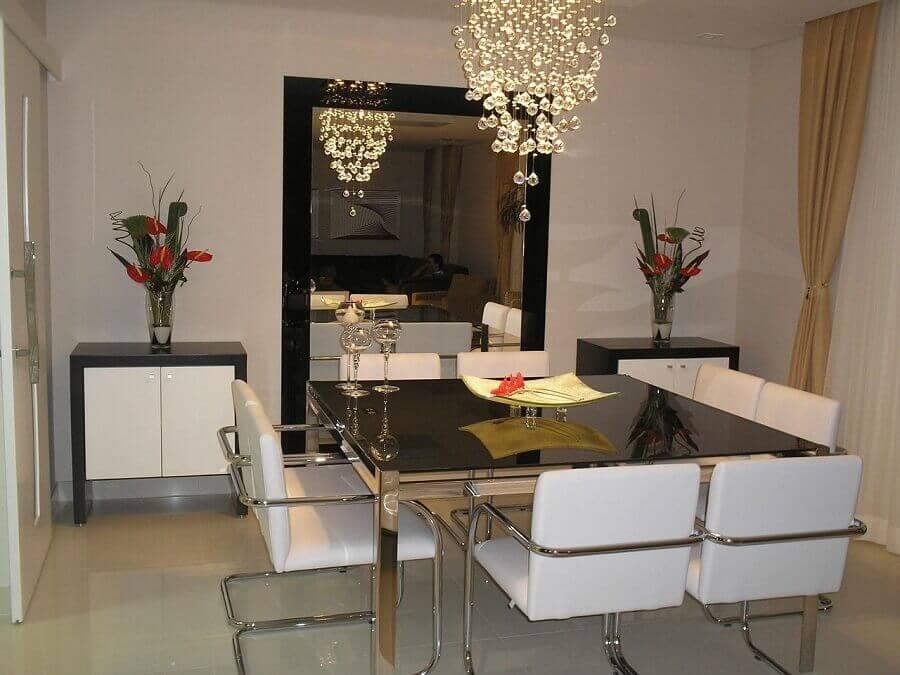 decoração com lustres de cristal para sala de jantar Foto Sueli Porwjan