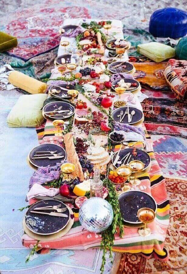 decoração com mesa de frios para festa ao ar livre Foto Dcore você