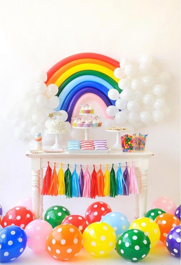 decoração de aniversário bem colorido com tema arco íris Foto Party Decoration