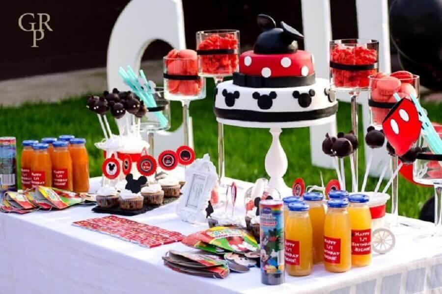 decoração de aniversário do mickey ao ar livre Foto GRP Group