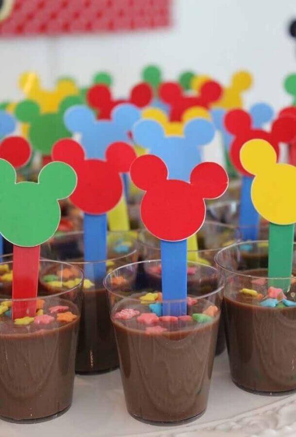 decoração de aniversário do mickey com copinhos de doces Foto Pinterest