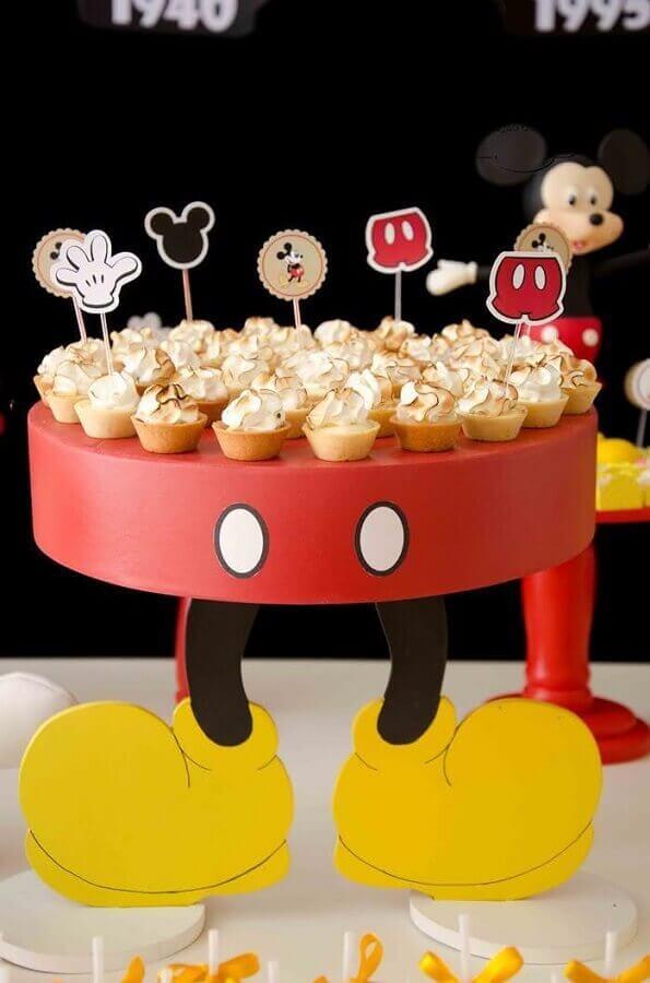 decoração de aniversário do mickey com prato de docinhos personalizados Foto Dicas da Japa