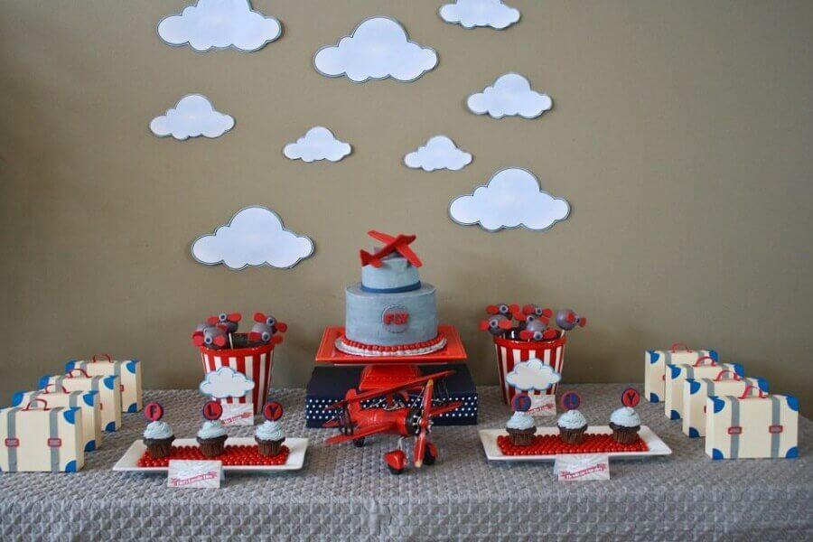 decoração de aniversário menino com tema avião Foto Um Doce Dia