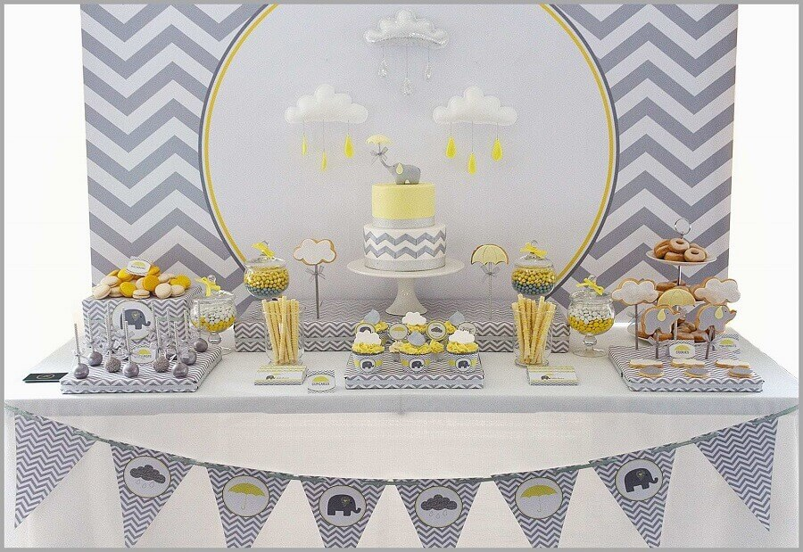 decoração de aniversário menino tema bebê elefante nas cores cinza branco e amarelo Foto Best of Baby Shower Idea