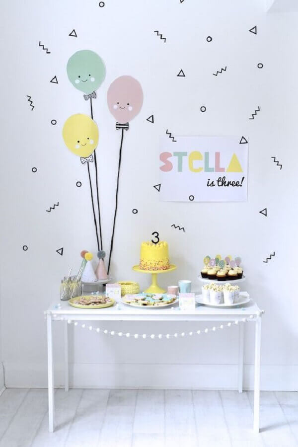 decoração de aniversário simples infantil em tons pastéis Foto All Lovely Party