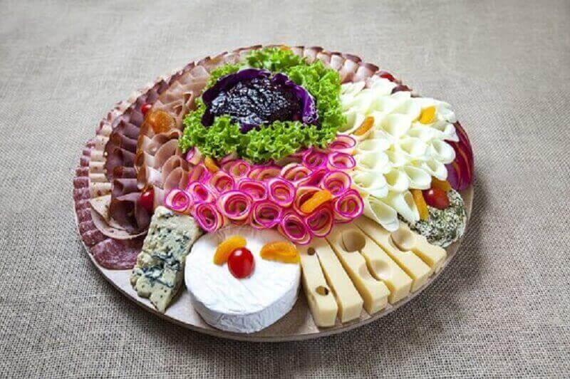 decoração para mesa de frios simples Foto Pinterest