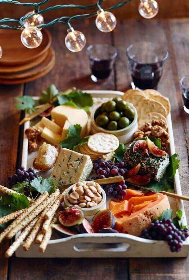 decoração rustica para mesa de frios e frutas Foto Pinterest
