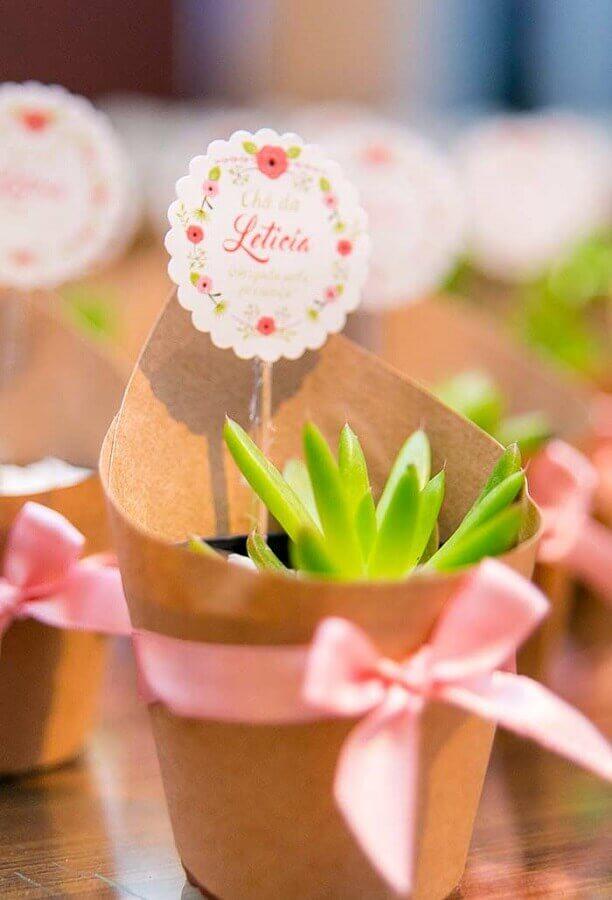 lembrancinha chá de bebê criativo com vasinhos de flores personalizado Foto Pinterest