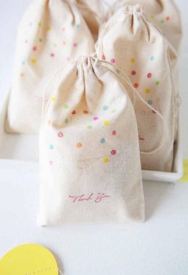 lembrancinhas personalizadas para decoração de aniversário Foto Style Me Pretty