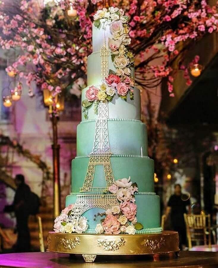 lindo bolos de aniversário decorados para festa de 15 anos com tema Paris Foto Claudia Moraes Cake Designer