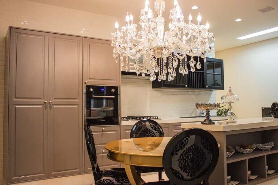 lustre pendente cristal para decoração de cozinha Foto Lojas Atua Prime