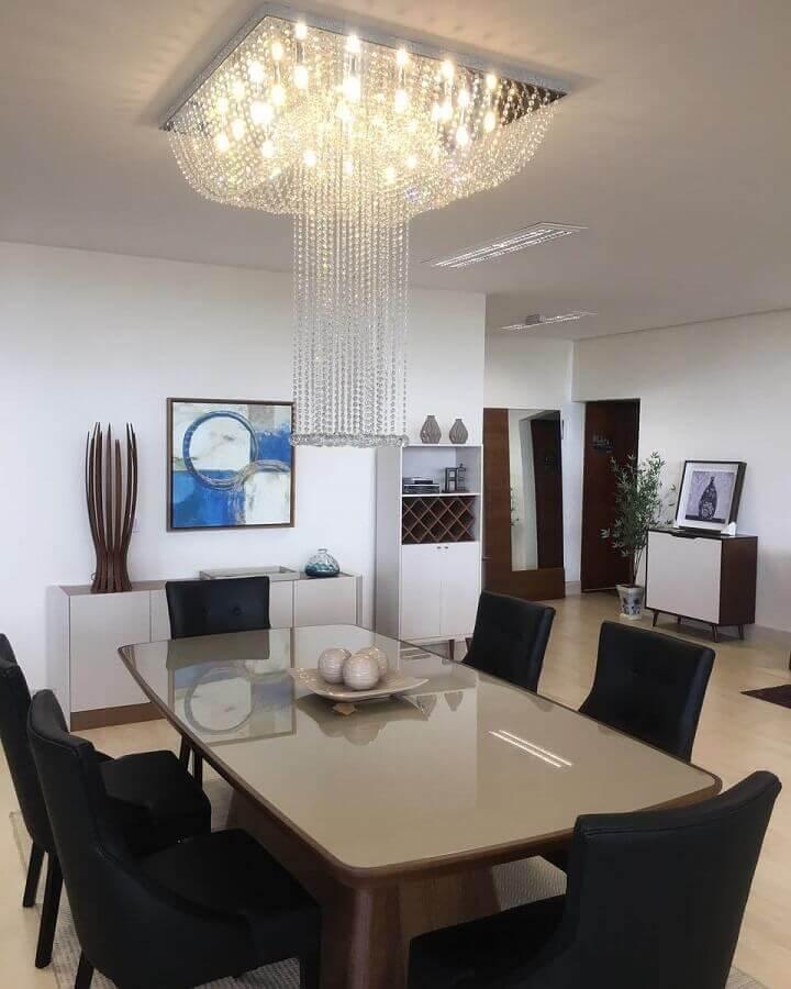 lustres de cristal para sala de jantar com cadeiras pretas Foto Dyvinna Luz Lustres de Cristal