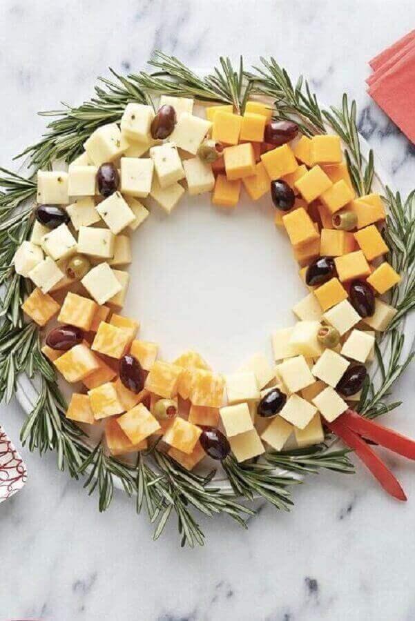 mesa de frios em formato de guirlanda para decoração de natal Foto Feito com Leite