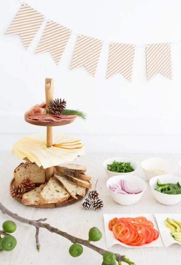 mesa de frios para festa com decoração clean Foto Pinterest