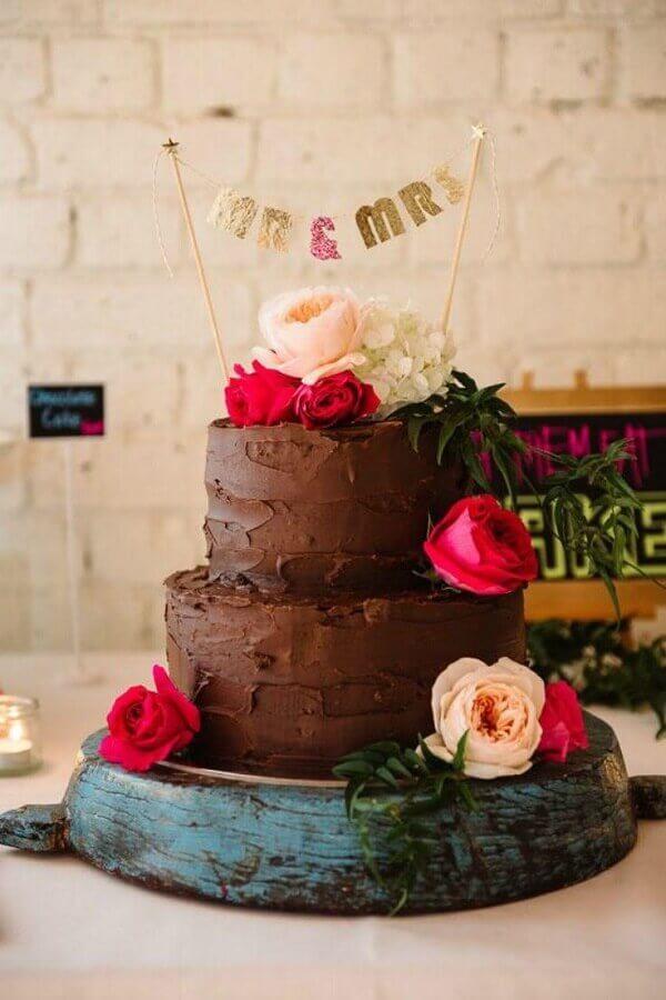 modelo de bolo para noivado simples Foto Casando no Quintal
