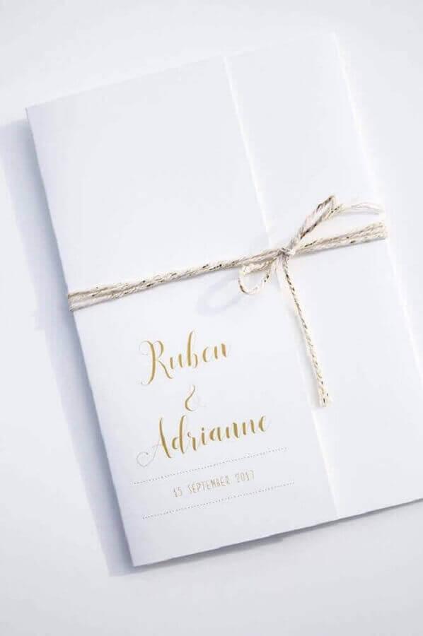 modelo de convite de noivado simples fechado com barbante Foto Leesign