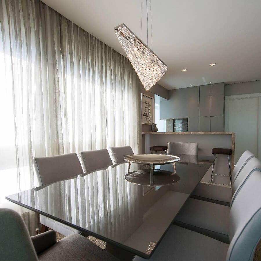 modelo de lustre de cristal para decoração de sala de jantar moderna Foto Izabela Pagani Arquitetura