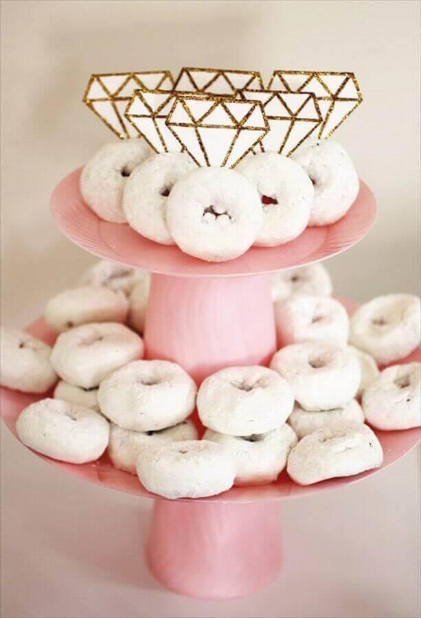 prato de doces para decoração simples de noivado Foto DIY Projects