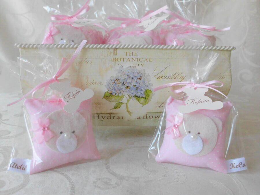 sachê de EVA rosa de lembrancinha chá de bebê menina   Foto Keca Ateliê