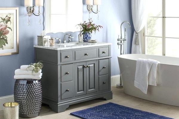 tapete para banheiro na cor azul marinho