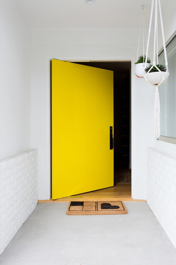 tapete para porta de entrada amarela Foto Veneer Designs