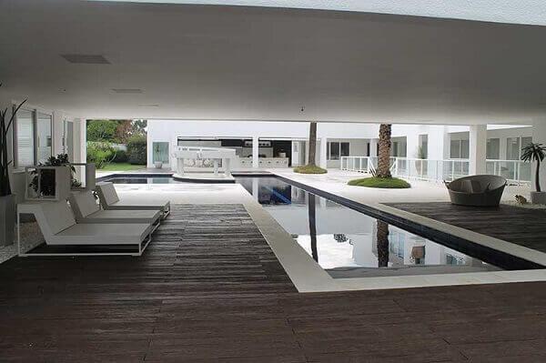 Área externa casa da Ana Hickmann