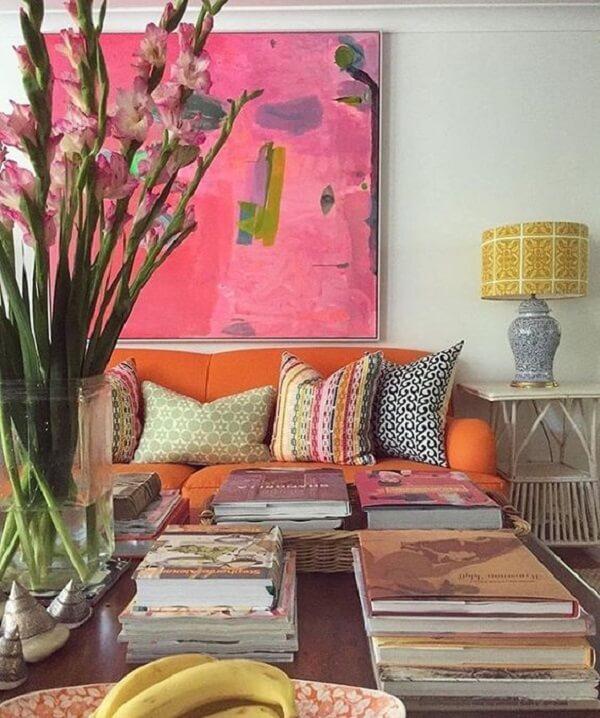 Cor salmão em quadro com paleta de cores