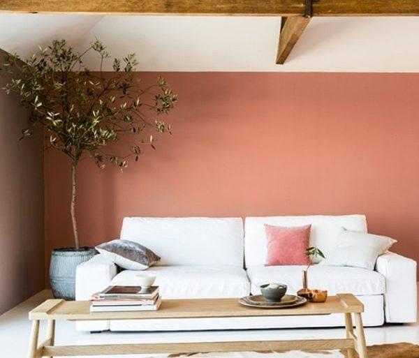 Cor salmão na decoração de sala de estar
