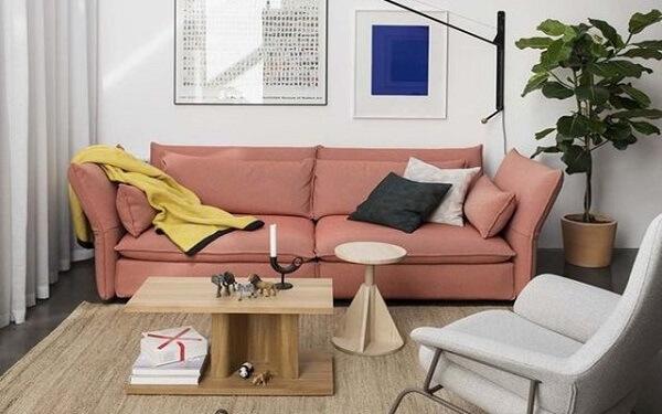 Cor salmão no sofá