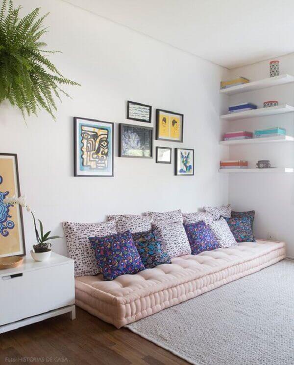 Decoração de casa simples e barata com futon