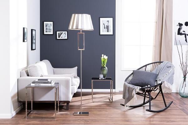 Decoração de sala simples e barata com parede cinza