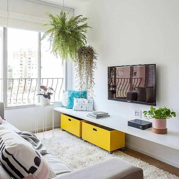 Decoração de sala simples e barata com plantas na sala