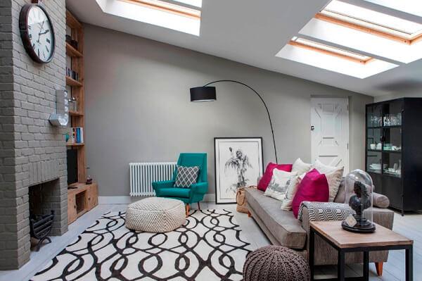 Decoração de sala simples e barata com puff de crochê
