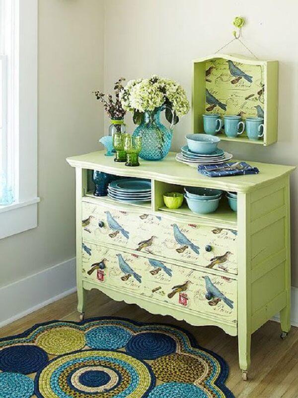 Decoração de sala simples e barata com reciclagem de móveis