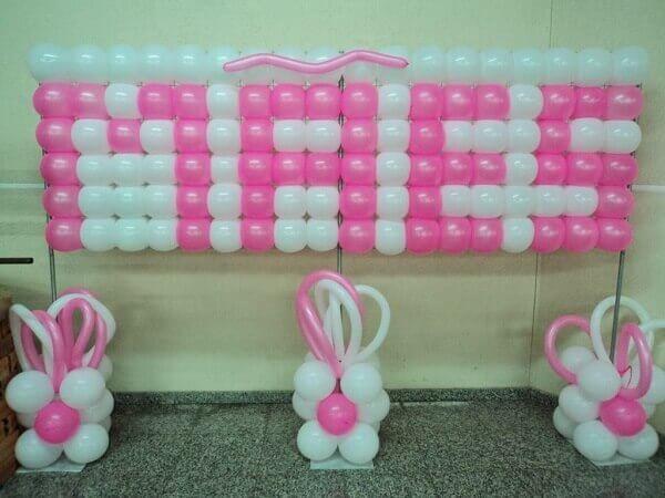 Decoração dia das mães balões em escola