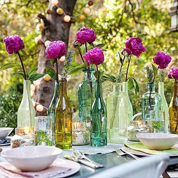 Decoração dia das mães com garrafas de plantas