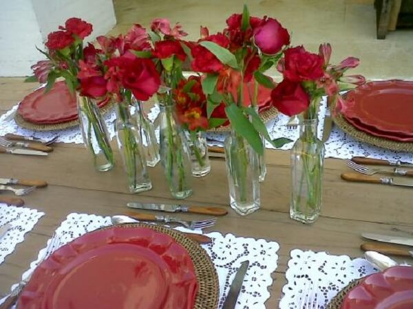 Mother's Day decoration with bowl and red roses