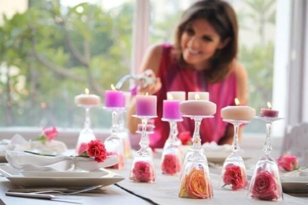 Decoração dia das mães com taças e velas