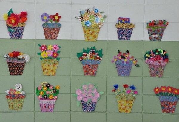 Decoração dia das mães com vasinhos de flores em EVA