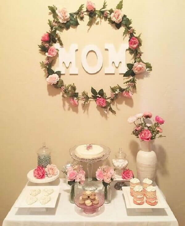 Decoração dia das mães mesa com bolo