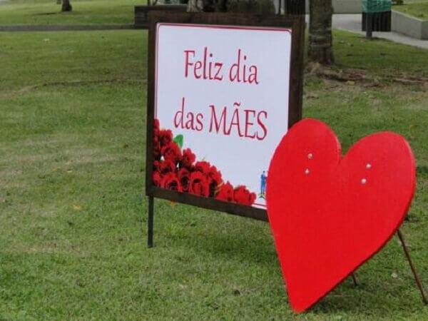Decoração dia das mães para entrada de igreja