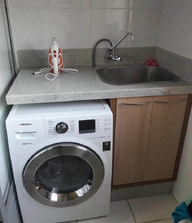 Granito branco Itaúnas para bancada de lavanderia pequena Foto Móveis Mazzi