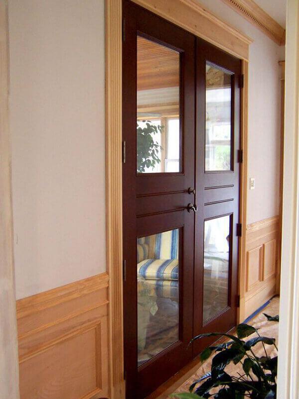 Os modelos de portas de abrir podem duas ou mais folhas